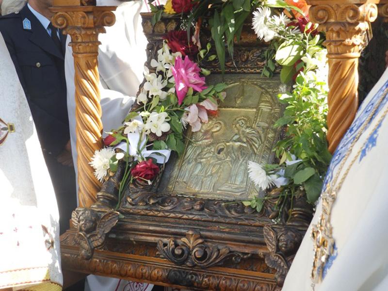 religious idol at Mitropoli Church