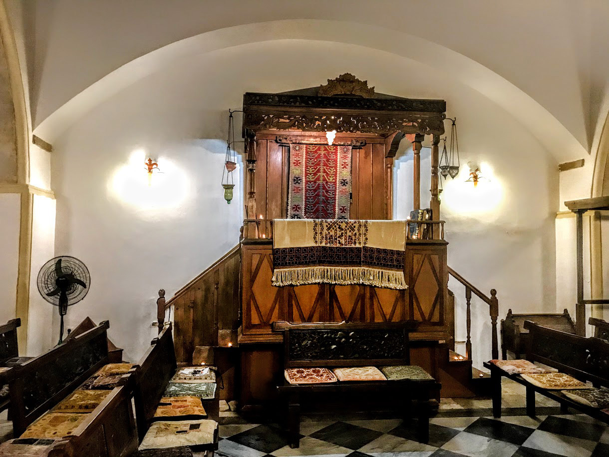 Praying room inside the synagogue
